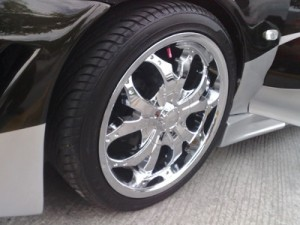 Closeup Honda Civic With Chrome Rims