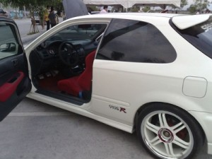 Honda Civic With Painted Rims